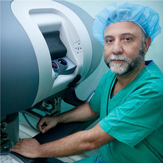 Dr. Enrique Cadena