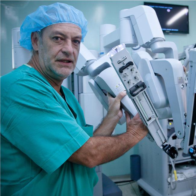 Dr. Fernando Gómez Corredor